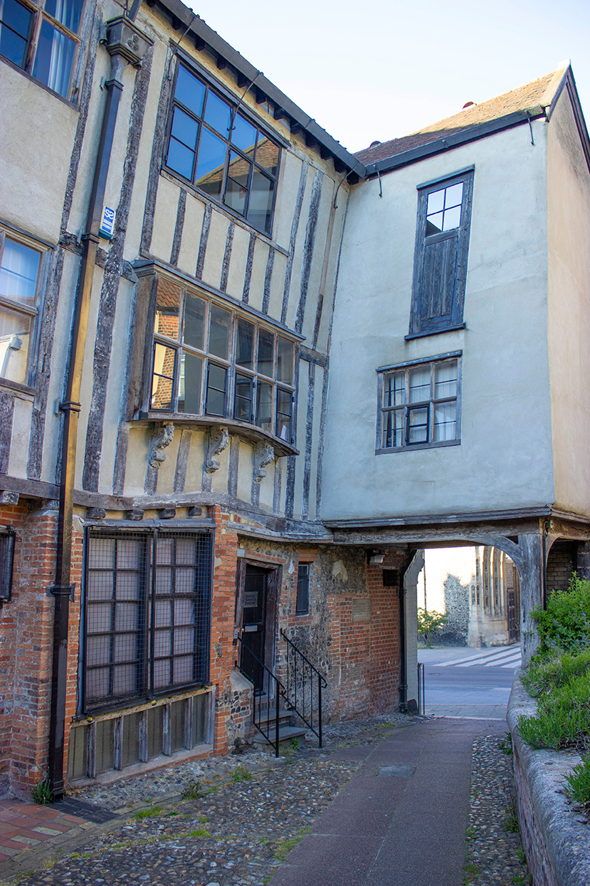 crooked house tombland alley norwich