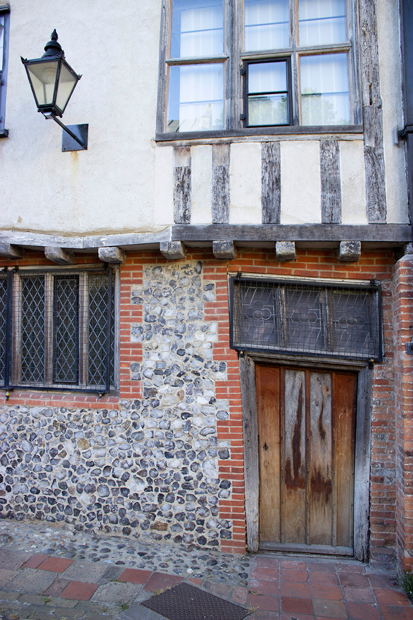 old crooked house tombland alley norwich