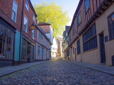 elm hill cobbled street