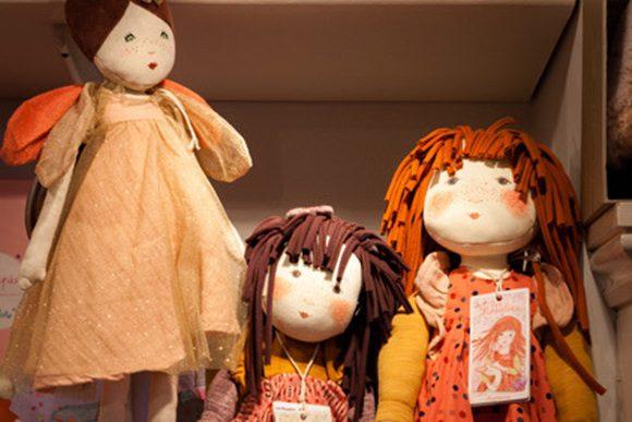 elm hill craft shop dolls